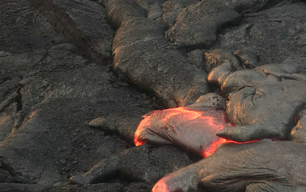 active lava best things to do on the Big Island