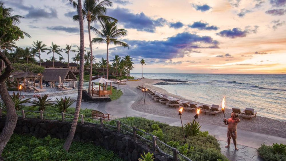 best honeymoon resorts Hawaii