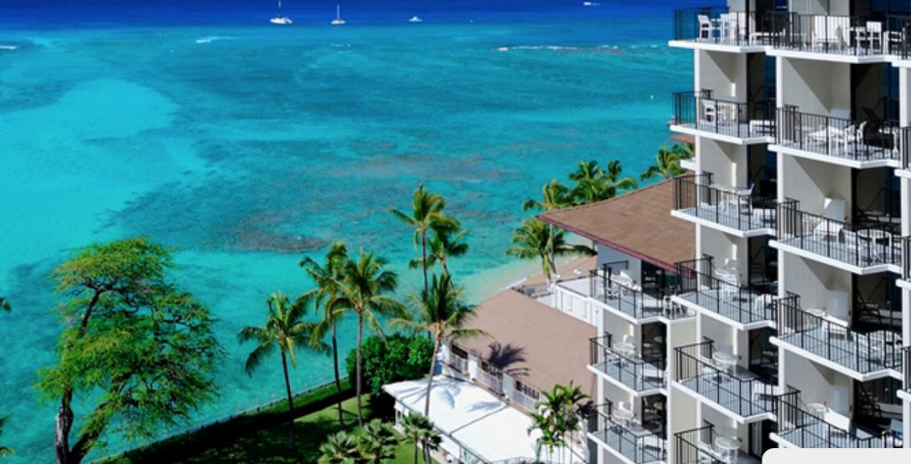 best luxury resorts on Oahu | Halekulani
