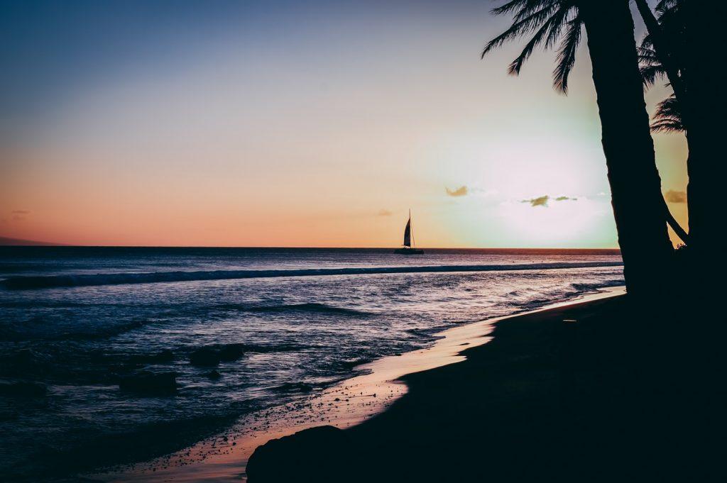 Hawaii honeymoon planning tips