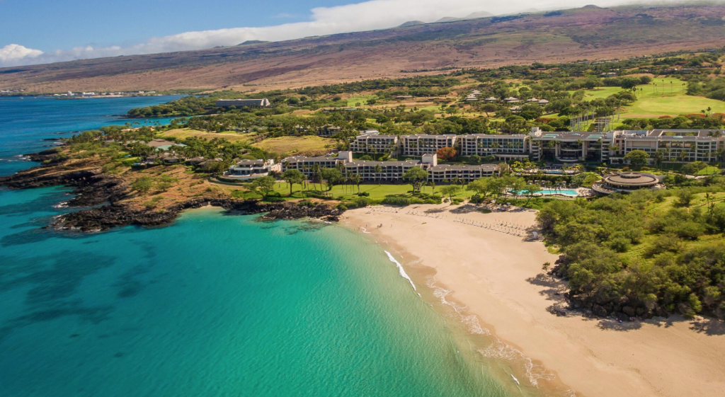 the best luxury resorts on the Big Island